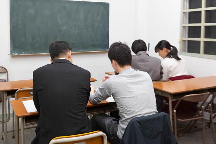 <個別学習>と<少人数一斉授業>を、選べる or 組み合わせて伸ばす